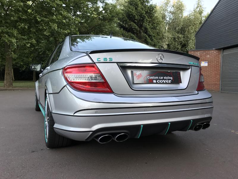 Covering réfléchissant / noir - Mercedes C63 AMG
